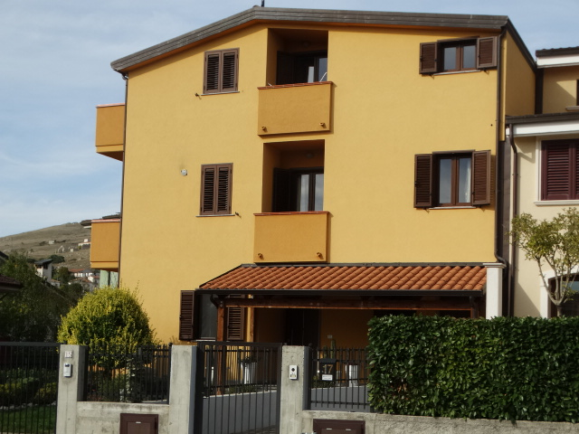 Vendesi appartamento su due livelli indipendente