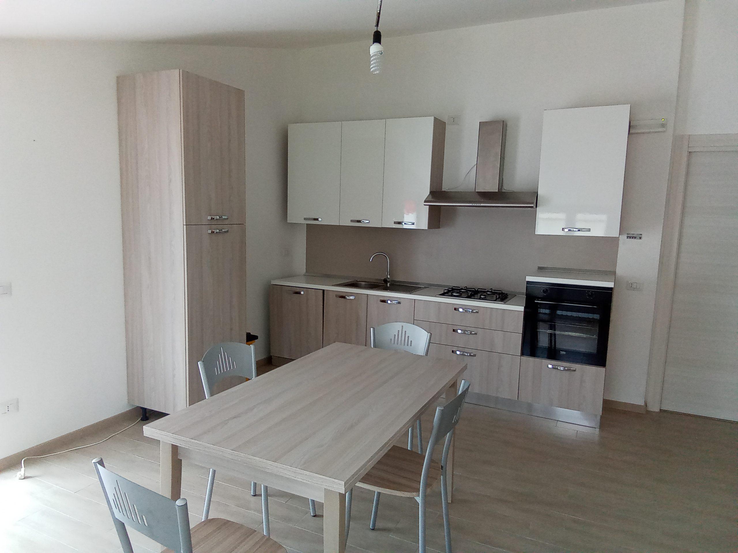 Locasi appartamento arredato Tramutola (PZ)