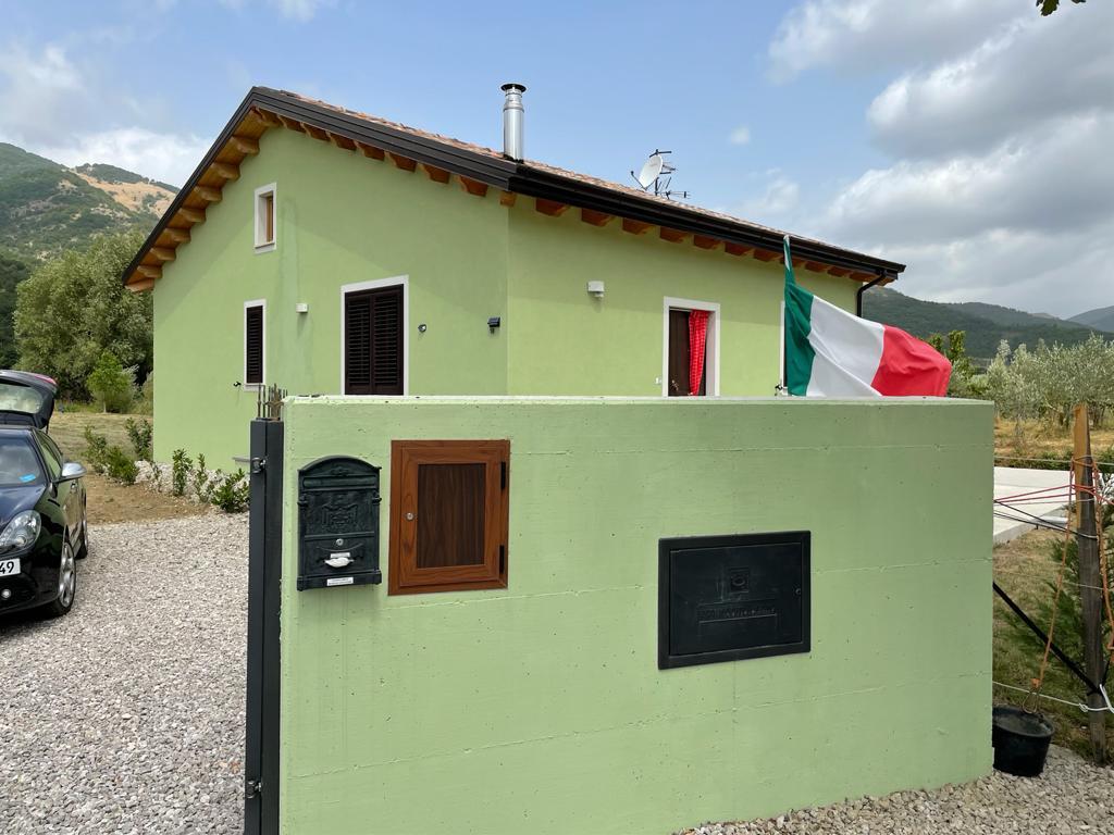 Casa indipendente in vendita in contrada Santino di Marsico Nuovo